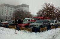 Рятувальники і поліція перевіряють інформацію про замінування лікарні №8 у Києві