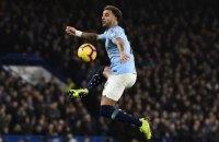 """Фанат, похожий на игрока """"Манчестер Сити"""", пытался пробиться на поле в матче против """"Арсенала"""""""