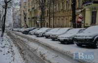Киев ограничил въезд крупногабаритного транспорта из-за снегопада