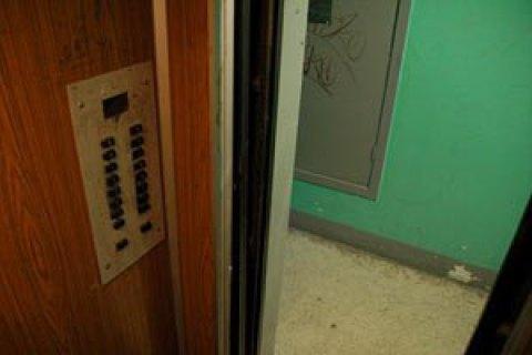 У Херсоні ліфт з двома підлітками впав з п'ятого поверху