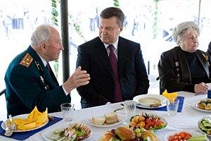Янукович сегодня сможет снова выпить с ветеранами