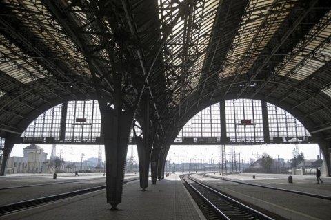 """""""Укрзализныця"""" назначила первые после карантина поезда во Львов"""