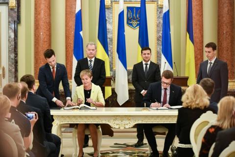 Україна і Фінляндія підписали угоду про взаємний захист інформації