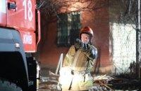 Два человека погибли при пожаре в админздании в Святошинском районе Киева