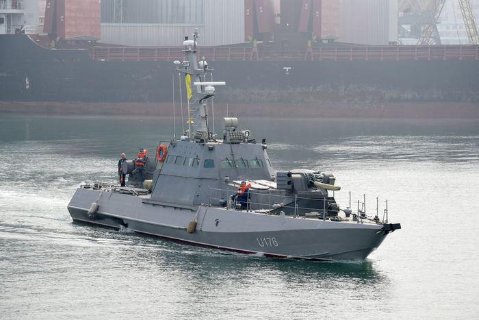 Украина построила два новеньких баркаса для ВМС