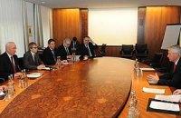 Азаров допускает изменение скандальных законов