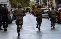 Нападавший, который ножом поранил двух человек в Париже, признал вину и назвал мотив