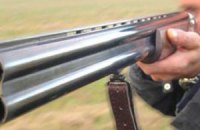Под Киевом неизвестный из охотничьего ружья ранил депутата