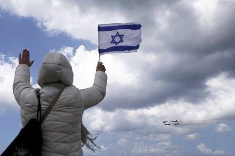 Израильские военные убили врезавшегося в автобусную остановку палестинца