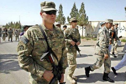 Трамп планирует уменьшить военный контингент вАфганистане натреть