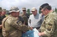 Кучма проінспектував розведення сил біля Станиці Луганської