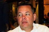 Суд Турции освободил американского пастора Брансона и разрешил ему выехать из страны