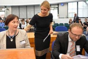 В Україні все контролюється диктатором Януковичем, - донька Тимошенко