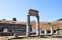 У Керчі з руїн Пантікапея зникли античні колони