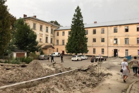 Божевільного, який улаштував різанину в психлікарні Львова, заарештували