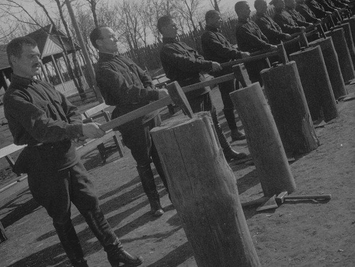 Радянська людина Хржановського-Лозниці та колоніалізм