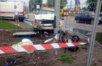 В Харькове автомобиль сбил на тротуаре коляску с 5-месячным ребенком