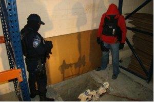 Полиция заблокировала туннель из Мексики в США