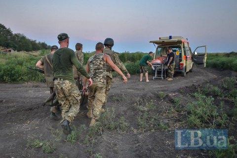 Двое военных получили ранения в результате обстрелов боевиков на Донбассе