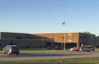 15-летний подросток застрелил двух человек и ранил еще 14 в американской школе