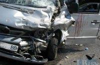 В Киеве столкнулись Infiniti, Lexus и микроавтобус