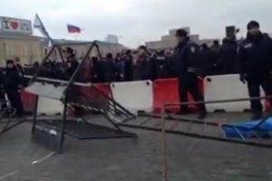 У Харкові мітингувальники зі стріляниною штурмували ОДА