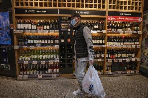 Сокращение населения Китая может стать проблемой для всего мира - Bloomberg
