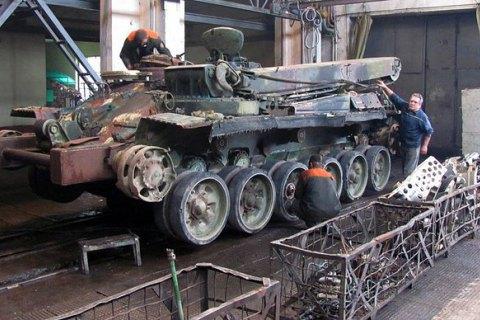 На Житомирський бронетанковий прийшли з обшуками