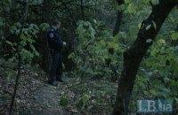 В парке возле Пейзажной аллеи прохожие обнаружили повешенного мужчину