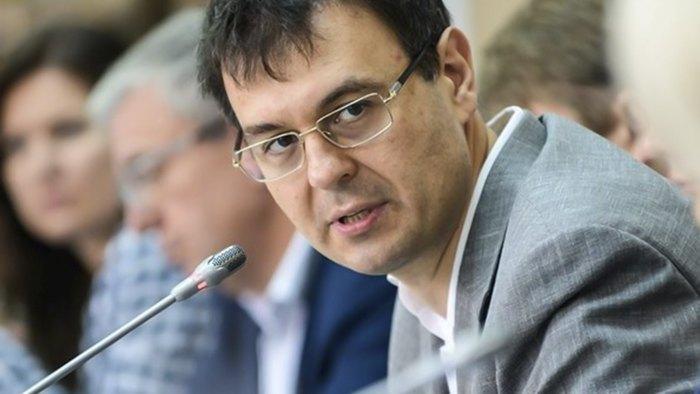 Даниил Гетманцев во время заседания комитета