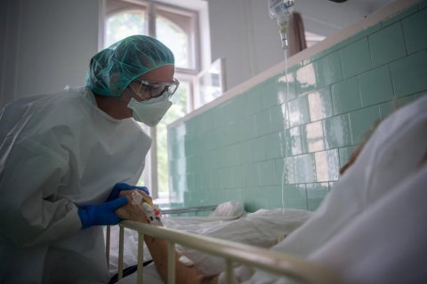 Гроші і справедливість: чому пацієнти з ковідом вимушені боротися за безкоштовні ліки