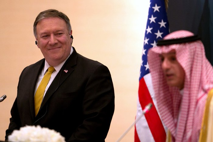 Госсекретарь США Майк Помпео и министр иностранных дел Саудовской Аравии Адель Аль-Джубейр во время пресс-конференции в Эр-Рияде, 29 апреля 2018.