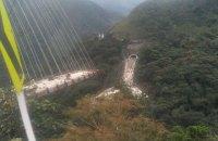 В результате обрушения строящегося моста в Колумбии погибли 10 человек