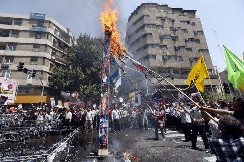 В Иране сотни тысяч митингующих вышли на антиамериканские демонстрации