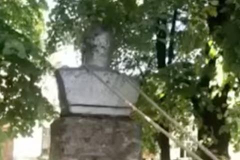 На Хмельниччині демонтували останній в області пам'ятник Леніну
