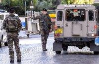 В пригороде Парижа автомобиль наехал на группу военных (Обновлено)
