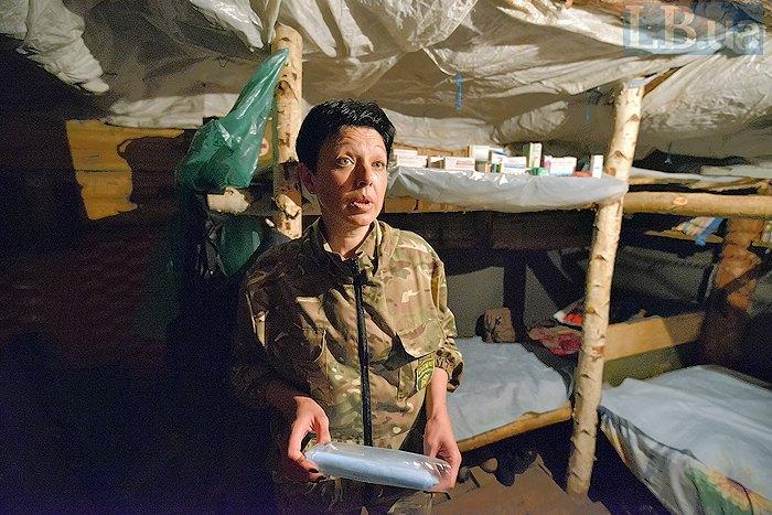 Ирина в блиндаже, который стал для нее домом во время ротации в Луганскую область