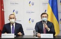 """У Києві провели перше засідання """"Квадриги"""", де поговорили про НАТО та Крим"""