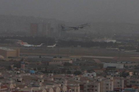 Із Кабула в Доху вилетів перший комерційний рейс, на ньому евакуювали двох українців