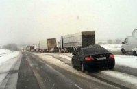 На трассе Киев - Одесса в Одесской области образовалась 10-км пробка