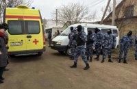 Заарештованих у Криму активістів вивезли в Росію
