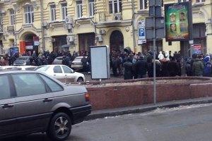 """У одного из """"киевлян"""", пришедших разбирать баррикаду на Крещатике, случился эпилептический припадок"""