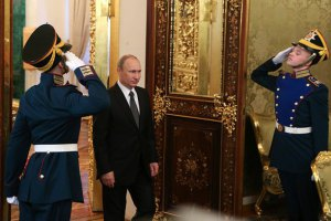 Путин признался, что украинскую армию в Крыму разоружали подразделения ГРУ