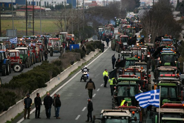 бастующие греческие фермеры