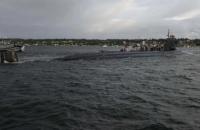 Американський підводний човен зіткнувся з невідомим об'єктом, постраждали кілька моряків