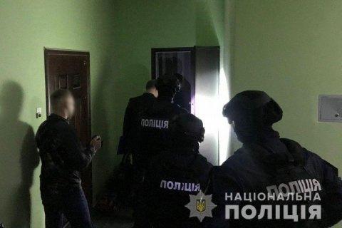 Поліція викрила мережу сайтів компромату