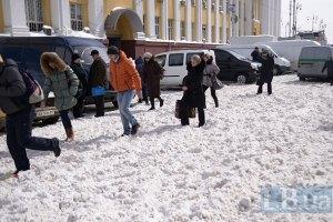 30% киевлян из-за снегопада добирались домой пешком, - опрос