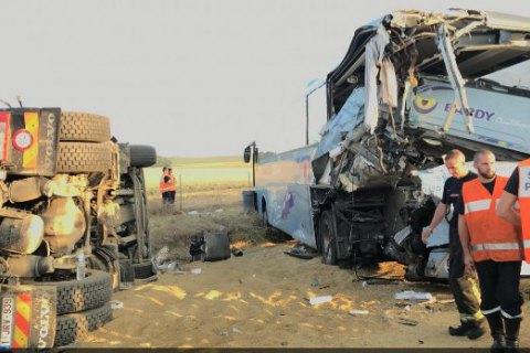 Автобус з дітьми потрапив в аварію у Франції