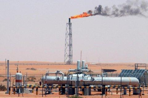Страны ОПЕК согласовали крупнейшее в истории сокращение добычи нефти