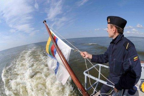 Минобороны Литвы зафиксировало военные корабли РФ у своих границ